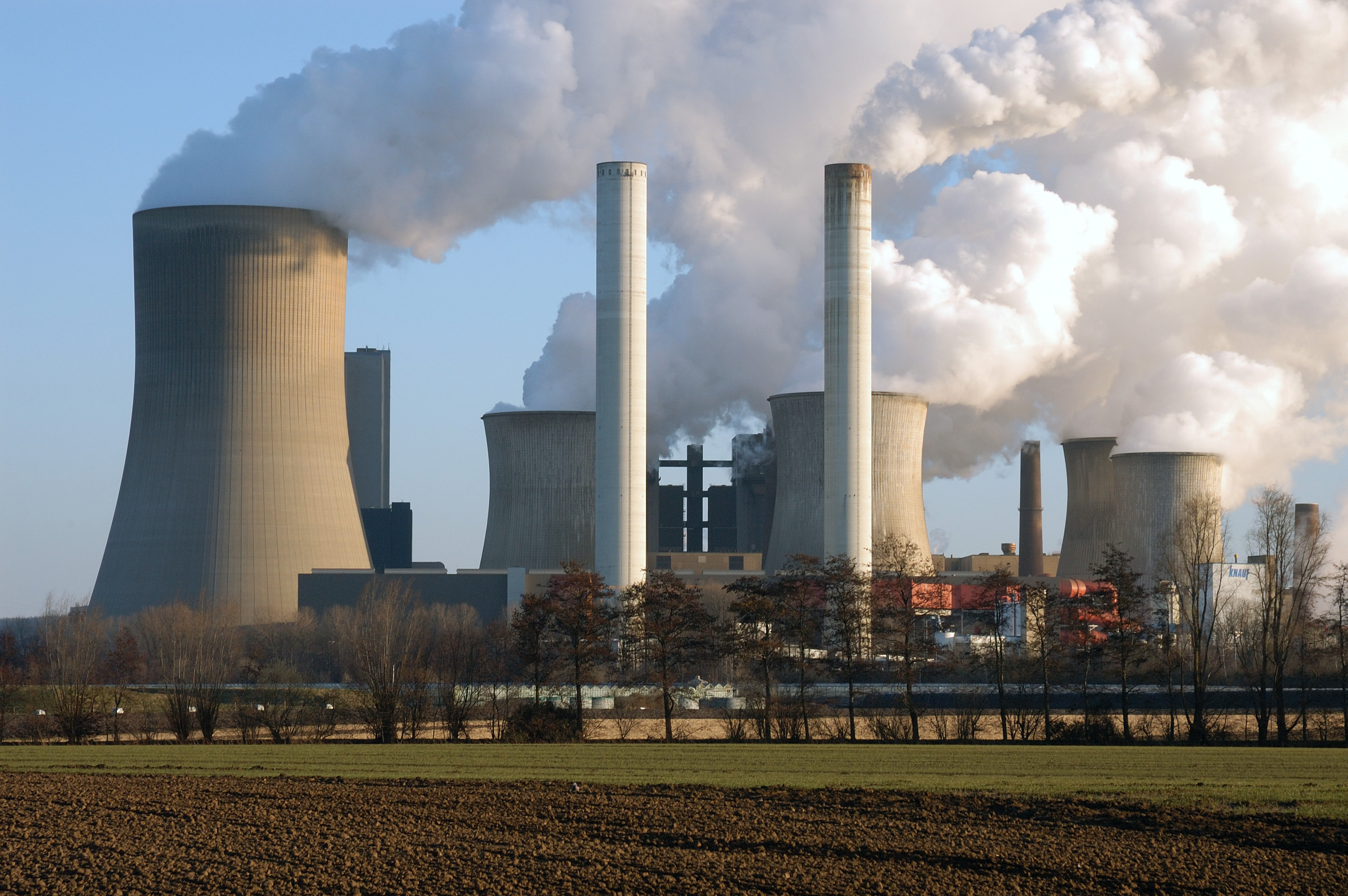 coal fired power plant Today, consumers energy ceo patti poppe announced the retirement by 2023 of the company's karn coal-burning power plant, which emits nearly 3 million tons of carbon pollution per year.